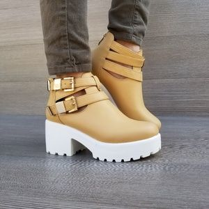 Shoes - 90's Grunge chunky heel buckle ankle boot